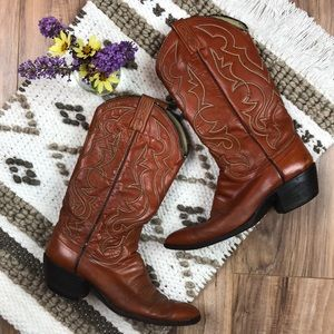 Vintage Sz 9 brown leather cowboy boots